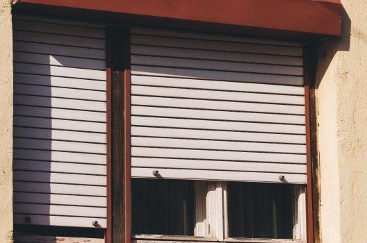 窓シャッターに多い故障内容と修理費用の相場